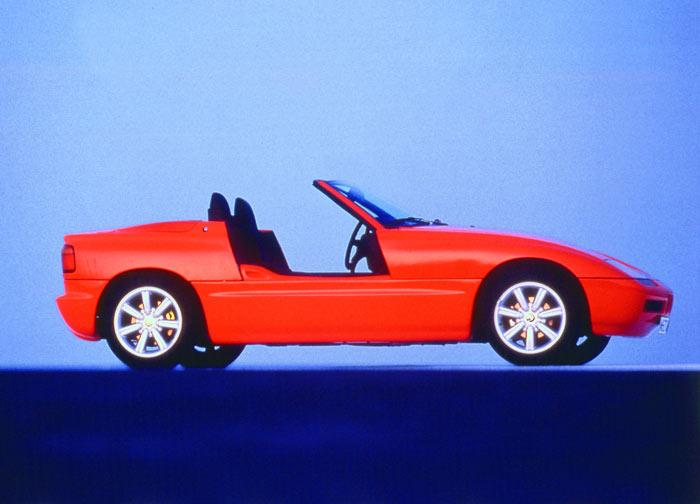 bmw drivers club italia ritorno al futuro 25 anni di bmw z1. Black Bedroom Furniture Sets. Home Design Ideas